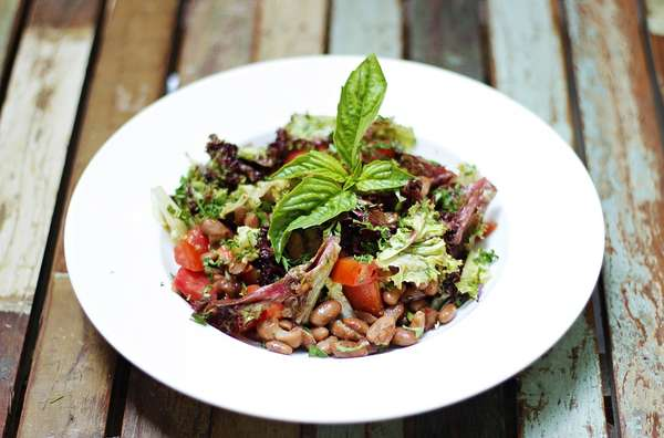 Salade d'haricots blanc et tomates sechees