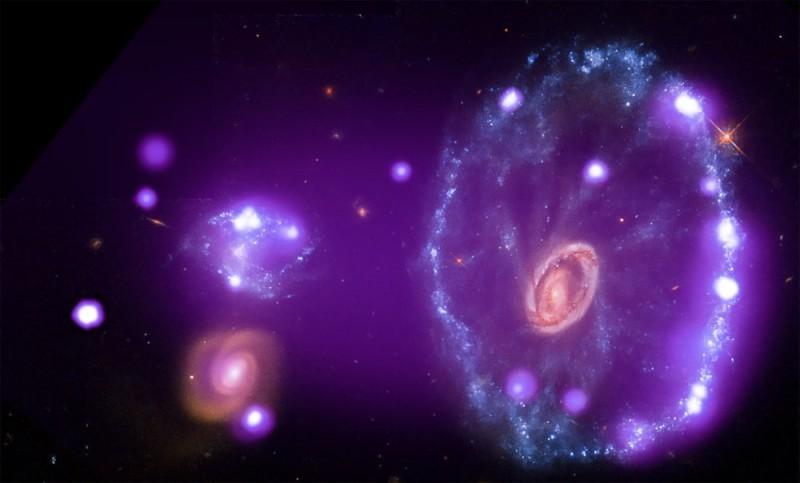 galaxie-roue-chariot-chandra1